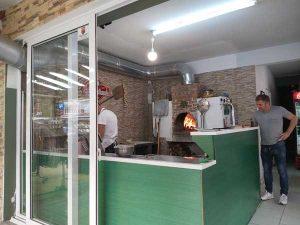 gyros Paralia, pizza